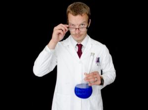 Read more about the article Mit einem Kittel vernünftig arbeiten und forschen im Labor