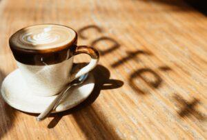Read more about the article Hochwertiges Aroma: Servieren Sie sich und Ihren Gästen leckere Kaffeespezialitäten